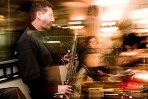 Música Eletrônica com Saxofone