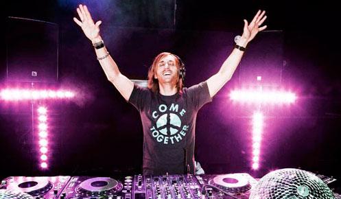 David Guetta lança edição especial de natal de Nothing But The Beat